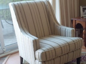 Simple Upholstery Design Made With  Old Fashioned